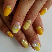 とにかく黄色にしたい時に!!! #春 #夏 #秋 #パーティー #デート #ハンド #フレンチ #ビジュー #タイダイ #ミディアム #イエロー #ジェル #セルフネイル #Tiary~ティアリー武蔵浦和~ #ネイルブック