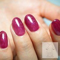 ⠀ juicy grape nail ❤︎⠀ ⠀ ⠀ ぷるぷるなぶどう色🍇⠀ オーロラ ホイルを挟んでいるので⠀ 指先を動かすたびにキラキラ輝きます🍇✨⠀ ⠀ ⠀ #透明感ネイル  #オーロラネイル  #秋ネイル  #グレープネイル ⠀ ⠀ ⠀ ⠀ ┈┈━═♥ 使用𝔦𝔱𝔢𝔪 ♥═━┈┈⠀ ⠀ 𝚋𝚊𝚜𝚎 : ⠀ 𝚜𝚝𝚘𝚛𝚢𝚓𝚎𝚕 𝟹𝟼𝟻 𝙽𝚘. 74S / 77S / 78S / 61M / 159M ⠀ 𝚘𝚝𝚑𝚎𝚛𝚜 : aurora foil ⠀ ┈┈┈┈┈┈┈┈┈┈┈┈┈┈┈┈⠀⠀ ⠀⠀ *・。*・。*・。*・。*・。*・。*・。*・。*  ご予約方法やメニュー詳細は ホームページをご確認下さい!⠀ ⠀⠀  デザインのご相談やお問合せは インスタDM @megumotoi  LINE@200lgbes から受付中です📩  ⠀ ⠀ *・。*・。*・。*・。*・。*・。*・。*・。*⠀ ⠀  𝐨𝐭𝐨𝐧𝐚 𝐧𝐚𝐢𝐥 オトナネイル⠀ ⠀ 〒𝟷𝟽𝟶-𝟶𝟶𝟼𝟸⠀ 東京都港区南青山𝟹-𝟺-𝟸⠀ 𝙱𝙰𝚂𝙴南青山𝟷𝟶𝟾⠀ ⠀ 外苑前駅から徒歩𝟻分⠀⠀⠀ 𝙾𝙿𝙴𝙽 𝟷𝟶:𝟶𝟶 - 𝙲𝙻𝙾𝚂𝙴 𝟸𝟹:𝟹𝟶(最終受付𝟸𝟸:𝟶𝟶) ⠀ #otonanail #オトナネイル #大人ネイル⠀ #外苑前 #表参道 #東京 ⠀ #上品ネイル #シンプルネイル #フラワーネイル #ニュアンスネイル #オフィスネイル #ピンクベージュネイル #ジェルネイル #トレンドネイル #おしゃれネイル #ブライダルネイル #花嫁ネイル #storyjel365 #ストーリージェル365 #元井恵 #春 #夏 #秋 #冬 #ハンド #シンプル #ワンカラー #ホイル #ショート #ピンク #パープル #ジェル #お客様 #otonanail #ネイルブック