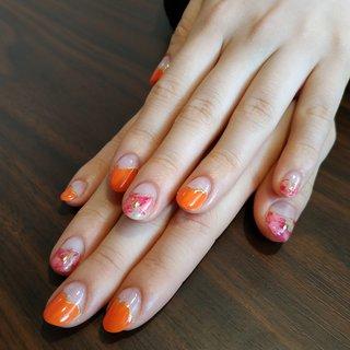 ピンク&チェリーレッドのマーブルリキッドにオレンジを合わせて変形フレンチ2仕上げてみました😍❤️ #春 #オールシーズン #浴衣 #女子会 #ハンド #変形フレンチ #たらしこみ #マーブル #ミディアム #クリア #レッド #オレンジ #ジェル #セルフネイル #レノンアイ #ネイルブック