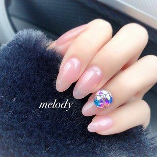肌馴染みの良さが素敵。 #ハンド #自然光#ピンク #ジェル #ビジュー #シンプル #冬 #オールシーズン #オフィス #ブライダル #ハンド #シンプル #ラメ #ワンカラー #ビジュー #クリア #ベージュ #ピンク #ジェル #melody #ネイルブック