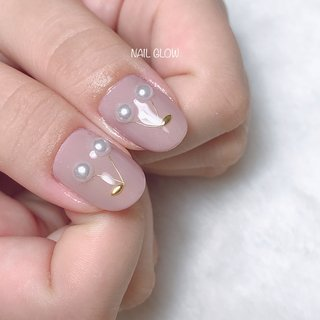 ℕ𝕖𝕨 𝕕𝕖𝕤𝕚𝕘𝕟 * * 🍒CHERRY🍒 * * 今回は大人っぽく くすみピンクグレージュ.。.:*♡ * * 【9:00~23:00まで営業☽︎.*·̩͙】 ・丁寧ケアで4週間以上の長持ちネイル ・爪が薄い ・溶剤を使用したくない ・爪のピンクの部分を伸ばしたい ・爪の形がコンプレックス ・美しいフォルム&ちゅるんネイルがしたい ・相談しながらデザインを決めたい 当サロンへ、お任せください♡  #ジェルネイル #ジェルネイルデザイン#ジェル #ワンカラー#ネイルデザイン#うる艶#大人可愛いネイル#上品ネイル#オフィスネイル#艶ネイル#ちゅるんネイル #フィルイン一層残し #フィルイン #深谷 #深谷ネイル #深谷ネイルグロウ #熊谷ネイル #籠原ネイル#maogel導入サロン埼玉 #maogel導入サロン深谷市 #ネイルブック掲載店#爪育モテネイル#ナチュラルネイル#シンプルネイル#ネイルブック公式サロン#さくらんぼネイル #ピンクグレージュ #オールシーズン #オフィス #デート #女子会 #ハンド #パール #フルーツ #ワイヤー #ベージュ #ピンク #スモーキー #ジェル #NAIL GLOW #ネイルブック