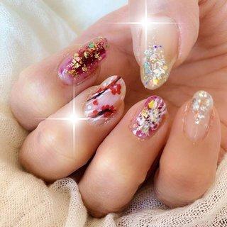 明けましておめでとう ネイル。 YouTuberの ネイリストナナさんの 考案デザイン。 @nail_nana_nail  リボンを細く描くのが 難しくてグチャグチャっぽくなってしまった。 * * * #梅ネイル #お正月ネイル #金箔ネイル #銀箔ネイル #梅春ネイル#nails #polish #selfnail #nailpolish #nailseal #nailsInstagram #ネイル #セルフネイル #マニキュア #ポリッシュ  #ネイルポリッシュ #セルフネイル部  #esnail#nail#nails#nailart #esnails#nailgram #nailsalon#notd #beverlyhills #westhollywood #selfnail #selfnails #manucure #冬 #お正月 #ハンド #フレンチ #グラデーション #ホログラム #ラメ #チーク #ボルドー #ゴールド #シルバー #マニキュア #セルフネイル #ちゃめ #ネイルブック