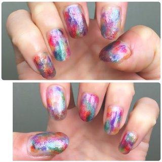 colorful mix nail liqueur nail(フローズン、ベリー、ペパーミント、パイン、ディープブルー、プラム /cando) をランダムにおいてクリアマニキュアで なんとなくならす。 乾いたらトップコートを塗り その上にユニコーンパウダーをかける (下のカラーが見えるようにパウダーをつけ過ぎない)磨いて刷毛で余分なパウダーをはらい トップコートを塗り完成。 #ニュアンス #ハンド #女子会 #ミディアム #オールシーズン #nail #セルフネイル #マニキュア #リゾート #ライブ #100均ネイル #ユニコーン #カラフル #セルフ #ユニコーンパウダー #プチプラ #簡単 #リキュールネイル #オールシーズン #リゾート #ライブ #女子会 #ハンド #タイダイ #ニュアンス #ユニコーン #ミディアム #カラフル #マニキュア #セルフネイル #10305 #ネイルブック