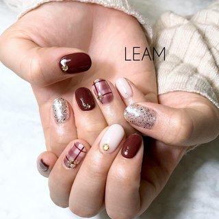 #チェック #チェックネイル #冬 #成人式 #バレンタイン #デート #ハンド #ラメ #ワンカラー #チェック #ホワイト #レッド #ボルドー #ジェル #お客様 #nail salon Leam #ネイルブック