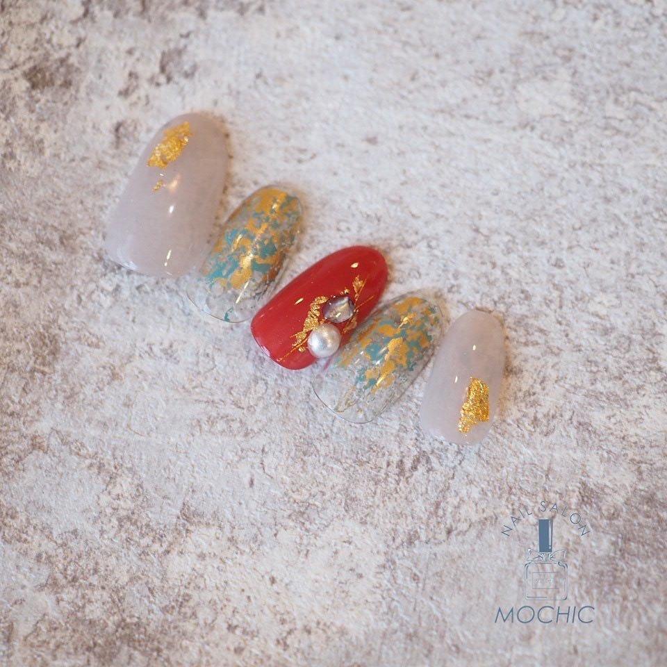大変遅くなりました🙇♀️🙇♀️🙇♀️🙇♀️💦  1月の定額ネイルデザイン💅  3種類のデザインから選べます🐭🎍  アート以外の指の色変え自由💛💚🧡      ¥ 6800+tax  オフ代自店他店 無料  ⋆⸜ᵀᴴᴬᴺᴷ ᵞᴼᵁ⸝⋆ ( ˘ ˘)♥︎ ゚+。:.゚ *:.*.:*:。∞︎。:*:.*.:*:。∞︎。:*:.*.:*  仙台自宅ネイルサロン✧‧˚⋆¨̮⑅ MOCHIC(モシック) ☎︎050-5438-4905(要予約) 《月〜金》9:00〜18:00 《土祝》 9:00〜17:00 【日曜定休/不定休】 完全予約制*女性限定サロン*パラジェル登録サロン 2月10日オープンꫛꫀꪝ✧‧˚⋆ #仙台ネイル #仙台ネイルサロン ご予約は☎︎またはLINE @ ネット予約はプロフィールより【Nail Book】から  #仙台うみの杜水族館  #三井アウトレットパーク仙台港  より徒歩5分程  @mochic_nail     #モシック #nail #nailsalon #ネイルデザイン #宮城野区ネイル #中野栄ネイル #利府ネイルサロン #多賀城ネイル #小鶴新田ネイル #若林区ネイル #パラジェル #パラジェル登録サロン #仙台パラジェル #岩切ネイル #paragel #仙台ママ #仙台ママグラム #ママネイル  #定額ネイル #1月定額ネイル #正月ネイル #成人式ネイル #和装ネイル #お正月 #成人式 #浴衣 #デート #ハンド #ラメ #パール #3D #ニュアンス #和 #ミディアム #レッド #グリーン #ゴールド #ジェル #ネイルチップ #MOCHIC #ネイルブック