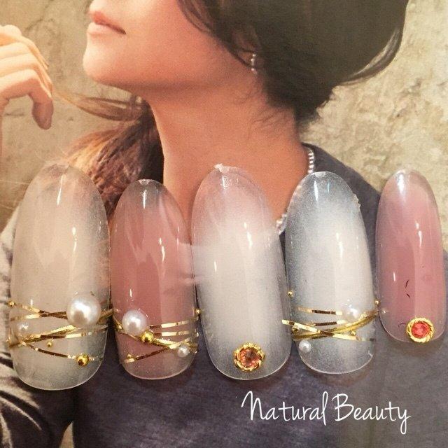 #Nailbook #秋 #冬 #クリスマス #オフィス #ブライダル #パーティー #デート #ハンド #フット #パール #チーク #ショート #ミディアム #ロング #ホワイト #ベージュ #ピンク #アースカラー #ジェル #スカルプチュア #マニキュア #ネイルチップ #naturalbeauty #ネイルブック