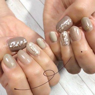 * 店内の サンプルとサンプルを融合した デザイン💅💓 * そり爪さんですが お客様の爪に合った商材や技法で とてもモチが良いです💅✨✨ * * ・*:.。..。.:*・'*:.。. .。.:*・゜゚・* * *  元ボートレース整備士ネイリスト👩🔧 爪を大切にしているネイルサロン💅 * * @mika_nail_sun_flower のトップページより詳細ご覧いただけます。 * #ネイル#nail#おしゃれさんと繋がりたい#大人可愛いネイル#ニュアンスネイル#大人ニュアンスネイル#北上尾#北上尾ネイルサロン#砂ジェル#クリアネイル#大人カジュアルネイル#おしゃれネイル#くすみ系ネイル#ジェルネイル#冬ネイル#上尾フィルイン#大人ネイル#親切なネイルサロン#爪を大切にするネイル#プライベートネイルサロン #秋 #冬 #ハンド #ジェル #ネイルモデル #JR高崎線 北上尾駅徒歩3分 ネイルサロンsunflower #ネイルブック