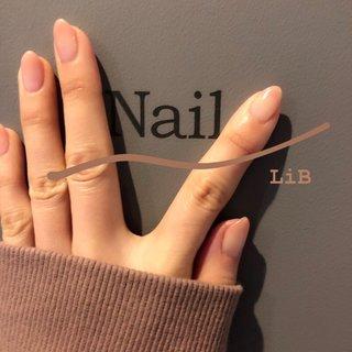👺 nezuko nail . 最近鬼滅の刃にハマってしまって📺 ねづこみたいなネイルにしてみた😂 仕事でネイルNG△の方もこのくらいなら大丈夫かも🙆♀️ 飽きのこない上品なナチュラルネイルおススメです💅✨ . 📸@ネイルルーム入口のロゴで💅 LiBの壁は色んな色でオシャレ💗 アイリスト優ちゃんのセンスです🥺 . . . ワンカラーグラデコース 4,980円  #sharesalonlib #niigata #tsubame #gelnail #nail #nails #nailart #nailsalon #handpainted #unghiegel #onicotecnica #manicurist #маникюрша #新潟ネイルサロン #新潟 #燕市 #ネイリスト #ネイル好きな人と繋がりたい #写真好きな人と繋がりたい #手描きアート#ネイルアート #アート #ジェルネイル #ねづこネイル #カラーグラデ #ナチュラルネイル #鬼滅ネイル #オールシーズン #バレンタイン #入学式 #ハンド #シンプル #グラデーション #ミディアム #クリア #ベージュ #ジェル #セルフネイル #yukari okonogi #ネイルブック