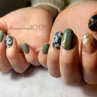 flower🌼  マッドの花柄がモードでかわいいいいいい!!!! 本当に何度見ても綺麗な爪。  #ワンカラー#ベージュ#ピンクベージュ#オフィスネイル#豊橋#豊橋ネイルサロン#パラジェル#パラジェルサロン#シンプル#シンプルネイル#ボルドー#ボルドーネイル#ラメ#ラメグラデーション#シンプル#シンプルネイル#大理石#ブラウン#大理石ネイル#ネイビー#ネイビーネイル#マッド#マッドネイル#モスグリーン#モスグリーンネイル#花柄#花柄ネイル#マッド#マッドネイル#ビジュー#ビジューネイル #冬 #オフィス #パーティー #デート #ハンド #シンプル #ラメ #ワンカラー #フラワー #マット #ミディアム #グリーン #ターコイズ #ネイビー #ジェル #お客様 #naminail0131 #ネイルブック