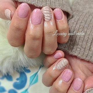 . . Pink knit veil Jel × knit art... . . 暖かくて優しい冬のピンクは、甘くなりすぎないニットジェルで差をつけるよ😘✌🏻 . . #makihorita  #luxurynailvoila  #fashionnails  #trendnails  #jelnail  #nail  #knitnails  #pinknails  #winternails  #naildesign  #nailart  #nailswag  #nailporn  #mattenails  #koiwa  #冬ネイル #ラグジュアリーネイルヴォアラ #ファッションネイル #オシャレネイル  #ピンクネイル  #くすみカラーネイル  #ニットネイル  #ダスティピンク  #小岩  #小岩ネイル #小岩ネイルサロン  #rayjel  #ショートネイル  #マットネイル  #大人ネイル #Nailist maki #ネイルブック
