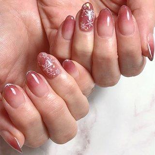 #ネイルアート#大人ネイル#ネイル#トレンドネイル#ニュアンスネイル #雪の結晶ネイル#冬ネイル#ジェルネイル#ネイルサロン#agehagel#フィルイン#一層残し #nail #nailart #naildesign #design #beauty #fashion #gel #gelnail #nailswag #instanails #綱島ネイルサロン#横浜 #東横線ネイル#美甲 #美爪 #冬 #オフィス #デート #女子会 #ハンド #フレンチ #グラデーション #雪の結晶 #ホワイト #ボルドー #メタリック #ジェル #NailSalon LAVIAS #ネイルブック
