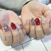 お客様ネイル♪( ´θ`) 今月のリッチコースデザインの色替えです♪  #lalanail #nail #nails #nailstagram #gelnails #paragel #l4l #l4like #instagood #instanail #happy  #ララネイル #ネイル #ネイルデザイン #パラジェル #豊田市ネイルサロン #豊田ネイル #豊田市ネイル #ネイル好きな人と繫がりたい#秋ネイル#冬ネイル#ニットネイル#ツイードネイル #冬 #ハンド #ワンカラー #ツイード #ミディアム #ホワイト #ネイビー #ボルドー #ジェル #お客様 #lalanail_toyota #ネイルブック