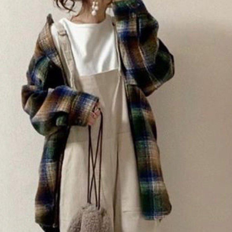 かわいいと思った服のコーディネートをネイルに❤ #チェック #チェック柄 #緑#黒#冬ネイル #秋 #冬 #ハンド #チェック #ミディアム #グリーン #グレージュ #ブラック #ジェル #ネイルチップ #nail room chouette [ネイルルーム シュエット] #ネイルブック