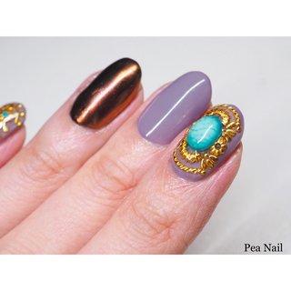人差し指に、爪いっぱいのアンティーク風ビジューアートを✨  アンティークの指輪を爪にのせたようなイメージで。   ♦︎♦︎♦︎♦︎♦︎♦︎♦︎♦︎♦︎♦︎ 福岡市早良区 自宅ネイルサロン&ネイルスクール Pea Nail ピーネイル  ご予約お待ちしております♪    #ワンカラー #ワンカラーネイル #ミラーネイル #ミラー #ビジュー #ビジューネイル #パーツネイル #アンティーク #アンティークネイル #ワンポイント #ワンポイントネイル #個性派ネイル #派手ネイル #トレンドネイル #福岡ネイル #福岡市ネイルサロン #福岡市早良区ネイルサロン #定額制ネイル福岡 #福岡 #セルフネイルスクール福岡 #秋 #冬 #オールシーズン #ハンド #ワンカラー #ビジュー #アンティーク #エスニック #ミラー #ショート #ブラウン #グレー #ゴールド #ジェル #お客様 #Pea Nail☆mako #ネイルブック