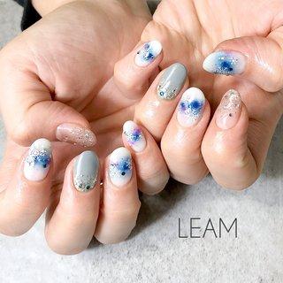 #冬 #パーティー #デート #女子会 #ハンド #ラメ #ビジュー #雪の結晶 #ホワイト #ブルー #パープル #ジェル #お客様 #nail salon Leam #ネイルブック