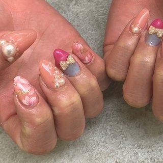 A cute collaboration between flowers and pearls *** #flowernails #pinknails #ribbon #perl #princess #fashion #girly #cute #お花ネイル #ピンクネイル #四国中央市 #四国中央市ネイルサロン #フィルイン #成人式 #バレンタイン #旅行 #浴衣 #ハンド #フラワー #パール #リボン #ミディアム #ピンク #水色 #ジェル #お客様 #Mai #ネイルブック