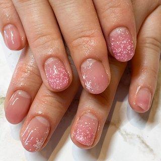 #スモーキーピンク と粉雪ピンクで#グラデーション ❤︎ #冬 #お正月 #バレンタイン #ハンド #グラデーション #雪の結晶 #ピンク #ジェル #お客様 #Ayaka #ネイルブック