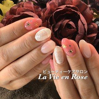 #ハンド #ラメ #ワンカラー #雪の結晶 #ピンク #シルバー #La Vie en Rose #ネイルブック