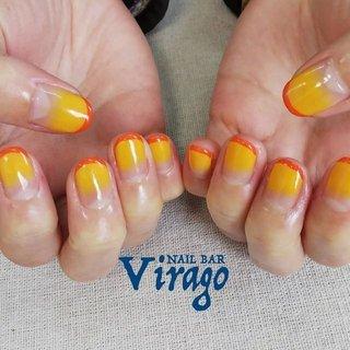 お客様ネイル イエローのグラデーションに、オレンジのライン 今回は『みかん🍊』のイメージだそうです ・ いつもお忙しいトリマーさん🐩✂️ 1ヶ月以上経ってのお付け替えでしたが、10本全部キレイにネイル付いてました‼️ミラクル😲 ・ https://ailbarvirago.jimdo.com/ ・ #nailbarvirago #ネイルバーヴィラーゴ #大分市ネイル #大分ネイル #nail #ハンドケア #ネイルケア #フットネイル #フットケア #大人ネイル #オフィスネイル #シンプルネイル #冬ネイル #シニアネイル #大分市 #上宗方 #わさだタウン近く #40代ネイリスト #テンション低めのネイリスト #ジェルネイル #上品ネイル #自爪を削らない #リクライニングソファ #大人女性ネイル #深爪改善 #プライベートサロン #冬 #オールシーズン #お正月 #ハンド #シンプル #グラデーション #フルーツ #ショート #クリア #オレンジ #イエロー #ジェル #お客様 #nail_bar_virago #ネイルブック