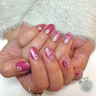 pink G glitter × pink flower #春 #オールシーズン #入学式 #女子会 #ハンド #ワンカラー #ラメ #フラワー #アイシング #ミディアム #ピンク #パステル #ビビッド #ジェル #お客様 #LUPIKA_MAMI #ネイルブック