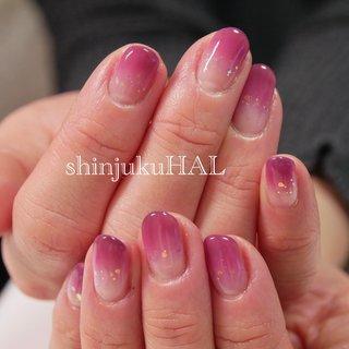 #ワインカラー #ムラサキ #ピンク #グラデーション リピーターのお客様🤗シンプルだけど華やかに! #オールシーズン #お正月 #成人式 #女子会 #シンプル #グラデーション #ホログラム #ワンカラー #ピンク #パープル #わたなべまさみ #ネイルブック