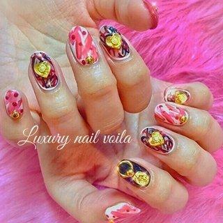 ". . "" #moschino inspiration..."" . . 大好きなmoschino を大好きなnamiに💖 . こんな可愛いデザインをつけこなしてくれて嬉しい💕💕 . 個性がイッチバン大事‼️‼️ . 冬はモノトーンや無地が多くなるから、ネイルでバランスとってオシャレを仕上げようね👍🏻 . . #makihorita  #luxurynailvoila  #fashionnail  #nailsalon  #moschinonails  #trend  #newnail  #koiwa #nail  #nails  #naildesign  #nailart  #nailstagram  #jelnail  #handdrawing  #ラグジュアリーネイルヴォアラ #小岩 #小岩ネイルサロン #個性的ネイル  #ファッションネイル  #オシャレネイル  #ネイルコーデ  #モスキーノネイル  #ジェルネイル  #ネイル  #네일  #네일아트 #젤네일 #指彩 #Nailist maki #ネイルブック"