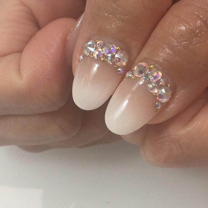 キラキラ✨✨ . .  KOKOIST @kokoist_japan  01 106 . . ✩✩————————————————————— 地爪の健康を第一に考え とことんお客様の爪と向き合います! . フォルムの美しさにとことんこだわった 丁寧な施術と、高い技術が人気のサロン◡̈*♡ ワンランク上の完成度を求める方に、選ばれています —————————————————————✩✩ . . [場所]長野県上田市中央6-16-5 落ち着いたオシャレな大人の空間です✩.*˚ . ▽▼▽▼▽▼▽▼▽▼▽▼▽▼▽▼▽▼▽ \ ネイルサロン クレアが選ばれる理由 / . ☑︎ 丁寧なケアで4週間以上のモチの良さ ☑︎ 引っかかり!浮きなし!ストレスフリー ☑︎ 特殊技法による仕上がりの美フォルム ☑︎ お爪が伸びても続く艶と綺麗なネイル ︎︎︎︎︎︎︎︎︎☑︎爪と皮膚に優しいアセトン不使用のオフ ☑︎本部認定講師による高技術な施術 ︎︎︎︎☑︎美しいケアとフォルムに自信あり . 〔ご予約・お問い合わせ〕 ☛ LINE ID / @nailcrea(@含む) ✉︎ nailcrea313@gmail.com DM 又は【メール】からも可能です。 24hいつでも受付中!お気軽にお問い合わせ下さい。 .  料金やメニューはネイルブックで詳しくご紹介しています◡̈*♡ ▶︎インスタのプロフィールURLからもアクセス可 (たまにセミナーの申込フォームになっています) . —————————————————————✩✩ . #KOKOIST #kokoist #ココイスト #ココイストマスターエデュケーター #ココイストユーザーと繋がりたい #ココイストディプロマセミナー開催 #本部認定講師 #本部認定講師小川智恵 #ココイスト導入サロン長野 #ココイストセミナー #ココイスト大好き #フィルイン #フィルインセミナー開催 #マニキュレーションシステムで習えます #オフィスネイルが得意なサロン #ブライダルネイルが得意なサロン #シンプルネイル #ネイルケアに自信あり#スマートレーサ導入サロン #crea小川智恵 #ネイルブック
