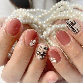 #ツイードネイル #タータンチェック #バレンタインネイル #大人可愛いネイル #ありがとうございました💕 #冬 #バレンタイン #オフィス #デート #ハンド #ビジュー #チェック #パール #ツイード #アイシング #ピンク #ブラック #スモーキー #ジェル #nailsalonCHANCE #ネイルブック