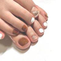 ブラウン×ぷっくりミラー♡ おしゃれfoot! . #nails #naildesign #nailart #instanails #instagood #like4like #glitter #footnail #nailstagram #art #mirrornail #chaehwanail #ネイル#ネイルデザイン #シンプルネイル #フットネイル #ブラウン #大人可愛い #ミラー #クール #おしゃれ #カラー #ぷっくりミラー #川崎 #川崎ネイルサロン #네일#네일아트#네일스타그램 #젤네일 #美甲 . ご予約は↓からお願いします! *ネイルブックネット予約(プロフィールのURLから予約可能!) . お問い合わせは↓からお願いします! *LINE@ : @chaehwa_nail(@から検索) *Instagram DM : @chaehwa_nail . ご連絡お待ちしております(*´꒳`*)♪ Chaehwa*Nail #オールシーズン #リゾート #デート #女子会 #フット #シンプル #変形フレンチ #ワンカラー #ミラー #ミディアム #ブラウン #シルバー #メタリック #ジェル #お客様 #chaehwa_8127 #ネイルブック