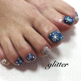 #フットネイル #雪の結晶#ネイビー#シルバー #ラメ#冬デザイン #冬 #お正月 #フット #ホログラム #ラメ #ワンカラー #雪の結晶 #ショート #ネイビー #シルバー #ジェル #お客様 #glitter #ネイルブック