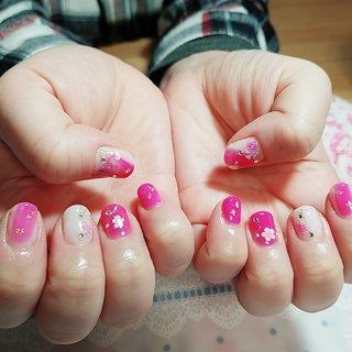 お正月ピンク #冬 #お正月 #ハンド #ラメ #フラワー #ニュアンス #hana hana #ネイルブック