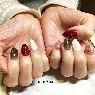 バレンタイン❤️ #冬 #バレンタイン #デート #女子会 #ハート #ドット #ニット #ホワイト #レッド #ブラック #B*B*nail #ネイルブック