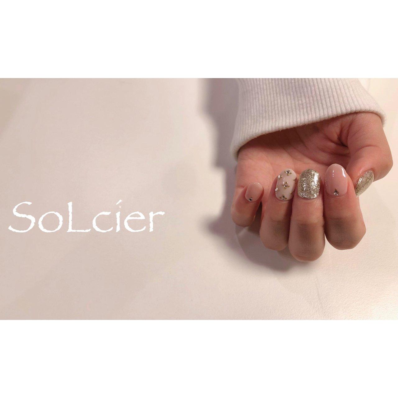 #ハンド #ワンカラー #ビジュー #【SoLcier】ソルシエ #ネイルブック