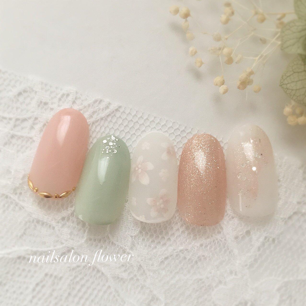 #ミントグリーン #春#フラワー #春 #夏 #ハンド #ホワイト #ピンク #グリーン #ジェル #nailsalon flower #ネイルブック