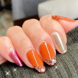 #フレンチ #ラメ #ワンカラー #ミラー #ミディアム #ピンク #オレンジ #メタリック #ネイルサロンBerry #ネイルブック
