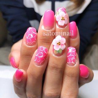 #ネオン #エンボスフラワー #ピンクネイル #春 #オールシーズン #パーティー #女子会 #ハンド #グラデーション #フラワー #3D #ホワイト #ピンク #ネオンカラー #ジェル #お客様 #satominail #ネイルブック