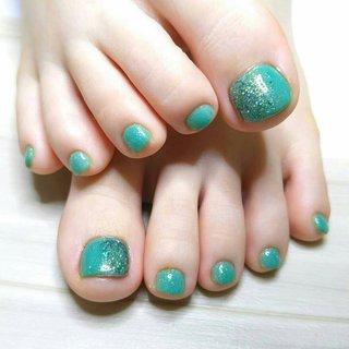 #塗るアクリル   今年の夏は、塗るアクリルが熱い!  今回は緑系の2色をお選び頂きました✨  可愛いミントカラー💖  緑のネイルも、可愛いです!! むしろ、肌と対照的な色ほど映えますね😉  事情があって、淡いカラー以外のカラーをチョイス💪 寒色系も、フットネイルは可愛くて素敵ですよ😊💕   また夏になったら、フラワー系のアートもご用意してお待ちしていますね😊🎶  有難うございました🙋  ※こちらのメニューは、サロン様により、オフのできない場合のある材料となります。 次回ご来店予定のない場合はこのメニューをお選びの際には、ご注意下さいませ。   #焼津市ネイル#焼津市ネイルサロン #焼津市おうちネイル #焼津市おうちネイルサロン#焼津ネイル#焼津ネイルサロン#焼津おうちネイル#焼津おうちネイルサロン#焼津市定額制ネイル#Nailbook#定額フットネイル #春 #夏 #海 #リゾート #フット #シンプル #グラデーション #ワンカラー #ショート #グリーン #ターコイズ #ペディキュア #お客様 #Blue Mints #ネイルブック