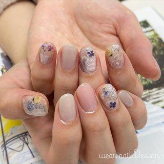 #春 #秋 #オフィス #ハンド #シンプル #ワンカラー #フラワー #ショート #ピンク #グレー #スモーキー #ジェル #お客様 #MOMOKO / wear nail #ネイルブック