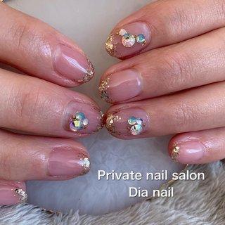#春 #オフィス #ブライダル #グラデーション #ラメ #ビジュー #Private nail salon Dia nail #ネイルブック