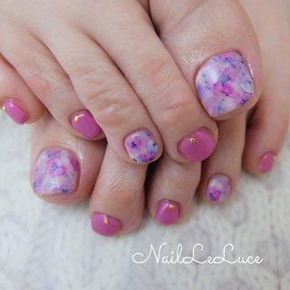 . ✩.*˚┴─┴┴─┴┴─┴┴─┴ . ふわふわ可愛らしいお花のフット 春は足元からやって来ました🌸 . ┴─┴┴─┴┴─┴┴─┴✩.*˚ . . . .  #nailstylist #nailsaddict #nailsnailsnails #coolnailart #frenchnails #simplenails #beautyas #ikebukuro #privetesalon #nailleluce #pedicure  #シンプルネイル #スタイリッシュネイル #シンプルなネイルが好き #シンプルだけどスタイリッシュ #池袋南口 #プライベートサロン #オトナ女子ネイル #気分が上がるネイル #ピンクのお花たち #春は足元からやってくる #足のネイルチェンジ #お花ペディキュア #春 #オールシーズン #ハンド #シンプル #フラワー #ピンク #ペディキュア #お客様 #hiramiu•*¨*☆*・゚〖NailLeLuce〗 #ネイルブック
