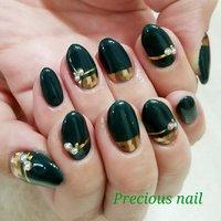 #秋 #冬 #ワンカラー #ビジュー #ミラー #グリーン #ゴールド #precious_nail315 #ネイルブック