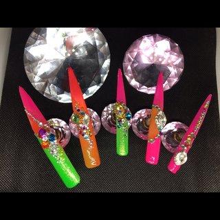 夏! #ハワイ  #祭り #ギャル神輿 #夏 #オールシーズン #ハンド #変形フレンチ #ビジュー #スーパーロング #ネオンカラー #ジェル #ネイルチップ #lady soul's nails #ネイルブック