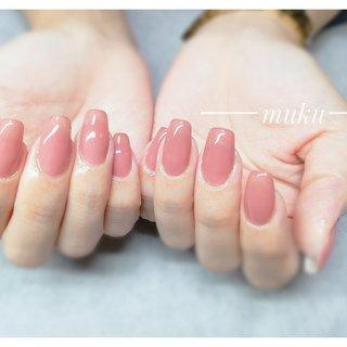 カラーはサンプルにちょい足ししてオリジナルを 作りました♪  #艶々ワンカラー  #ちゅるんネイル   ---------------------  グレー ベージュ スモーキーカラー 得意です♪  お爪に優しいパラジェル使用。  サロン初心者の方でも安心✨ お肌に合うカラーをご希望に合わせてブレンド致します。  お気軽にご相談ください!  #春ネイル #muku #mukunail #ebisu #オフィスネイル #上品ネイル #大人ネイル #大人上品ネイル #大人の指先 #美爪 #パラジェル #オーダーメイドネイル #シンプルネイル #ネイルケア #恵比寿プライベートネイルサロン #隠れ家サロン #恵比寿 #恵比寿ネイルサロン #春 #オールシーズン #オフィス #ハンド #ワンカラー #ロング #ベージュ #ピンク #スモーキー #ジェル #お客様 #tomo #ネイルブック