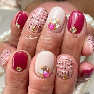 #ワンカラー #ビジュー #ツイード #ホワイト #ピンク #ボルドー #nailsalon Rose #ネイルブック