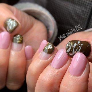 . .バレンタインネイル❤︎ . . . . 、 . . .. .こんなお悩みのある方は、ぜひお問い合わせ下さい❤︎ ✴︎ジェルの持ちが悪い ✴︎爪を育てたい ✴︎ジェルネイルを続けていて爪が薄くなった ✴︎アセトン(オフ剤)を使用してオフしたくない ✴︎4週間浮かないネイル .ご予約は、ブログから^ - ^ . . .#チョコレートネイル #ワンカラーネイル  #バレンタインネイル #オフィスネイル  #winternails  #冬ネイル2019 #ベース一層残し #浮かないネイル #フィルイン #都営新宿線 #瑞江ネイルサロン #船堀ネイルサロン #一之江ネイルサロン #篠崎ネイルサロン #本八幡ネイルサロン #江戸川区ネイルサロン #ノーサンディング #ネイルブック掲載店 #ルビケイト #nail #베메흡진기 #privatenailsalonEMI#プライベートネイルサロンエミ #爪育成#深爪#噛み癖 #瑞江#パラジェル登録サロン#プティール#パラスパ取扱店 #冬 #バレンタイン #デート #女子会 #ハンド #シンプル #フレンチ #ワンカラー #スイーツ #ピンク #ブラウン #ゴールド #private_nailsalon_emi #ネイルブック