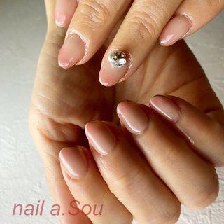柔らかで花びらのグラデーションに爪先ゴールドラインと3D nail artを…  3D nail artは1本のみとなります。 #夏 #オールシーズン #女子会 #ハンド #シンプル #フレンチ #ロング #ホワイト #ブルー #ボルドー #nail.a.Sou #ネイルブック
