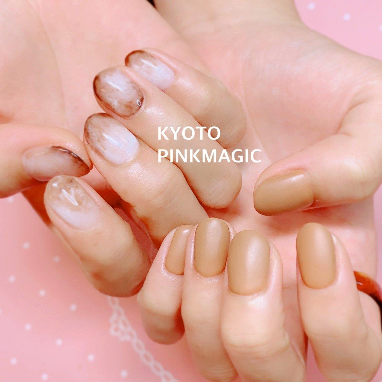 #ピンクマジック は京都市右京区西院のネイルサロンです。  #ハンドネイル #おしゃれネイル #西院ネイルサロン #秋ネイル #シンプルネイル#冬ネイル #ハンド #ワンカラー #ショート #ホワイト #ベージュ #ブラウン #ジェル #お客様 #Pinkmagic♡miki #ネイルブック