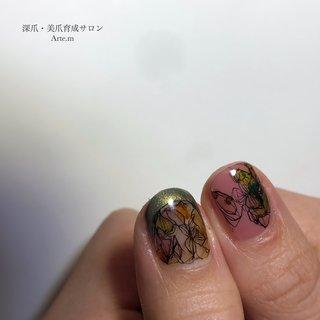 仕上がってみると、百合っぽいね🤔  お任せあるある  ┈ ┈ ┈ ┈ ┈ ┈ ┈ ┈ ┈ ┈ ┈ ┈   こんなお悩みありませんか?  ☑︎ジェルの持ちが悪い ☑︎爪の形がキライ ☑︎爪がうすい、割れる ☑︎指先を隠してしまう ☑︎︎ネイルサロンは無縁だと思っている ☑︎手荒れ、爪の凸凹 ☑︎ジェルをせず、ケアだけがしたい  爪のお悩み・コンプレックスご相談ください💅🏻 爪は変わる✨  ┈ ┈ ┈ ┈ ┈ ┈ ┈ ┈ ┈ ┈ ┈ ┈ ┈   #深爪矯正#爪育福岡 #自爪育#爪育サロン #一層残し#美爪クリエイター福岡#噛み癖#男爪ネイル #反り爪 #貝爪#二枚爪改善 #爪の悩み#爪コンプレックス #大野城ネイル#大野城ネイルサロン#太宰府ネイルサロン#筑紫野ネイルサロン #長持ちネイル #深爪福岡#深爪#深爪育成 #深爪ネイル#ジェルネイル#自爪育成#ネイル初めて#大野城#爪育大野城#切り絵アート #個性派ネイル#手描きアートネイル #オールシーズン #ハンド #フレンチ #アンティーク #ジオメトリック #ミディアム #ピンク #アースカラー #ジェル #お客様 #arte.m.nail #ネイルブック