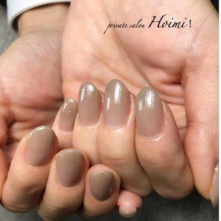 #ハンド #ラメ #ワンカラー #ショート #グレージュ #ジェル #private salon Hoimi! #ネイルブック