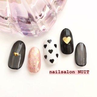 サンプル💅✨ . ⋆ ご予約は Instagram DM. ☃️ TEL...080-7579-0562 ❄️ Nailbook... https://nailbook.jp/nail-salon/26772/reservation/ でお待ちしております😊❤️ ⋆ ※当店は現金又はpaypayご利用可能です💰 (クレジットカードご利用されたい方はpaypay登録お願いしてしております) ⋆ #nail#nailsalon#hamamatsu#nails#nailart#nailst#nailbook#nuit#nuitnail#ニュイネイル#美爪#美甲#光疗甲#ネイリスト#ネイル#ネイルデザイン#ネイルアート#浜松#浜松市中区#ネイルサロン#nailbook#ネイルブック#予約受付中#かわいい#つるつる#キラキラ#冬ネイル#ネイルサンプル#NUITサンプル#PayPay使えます#paypay #オールシーズン #バレンタイン #パーティー #デート #ワンカラー #パール #ハート #くりぬき #シースルー #ピンク #ブラック #ジェル #ネイルチップ #nuit_Rika #ネイルブック